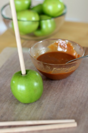 Dipping Carmel Apples