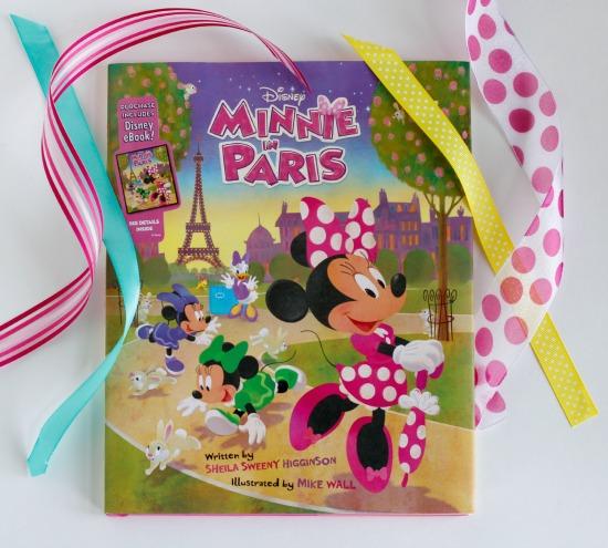 Disney's Minnie in Paris Book