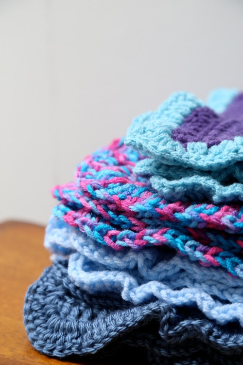 Crochet-A-Day: Double Crochet Baby Blanket | Make and Takes