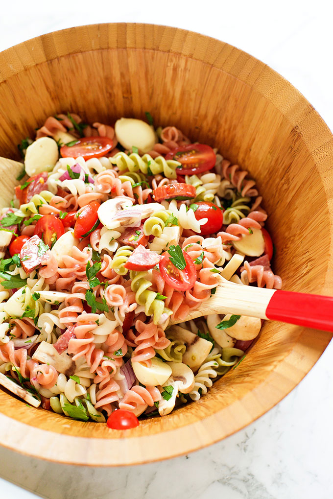 Easy Italian Pasta Salad with Italian Dressing | Make and ...