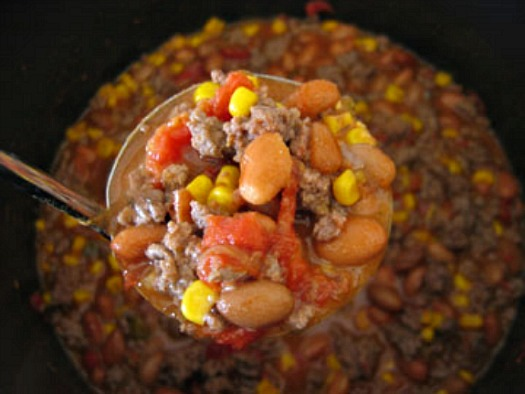 Easy Taco Soup @makeandtakes.com