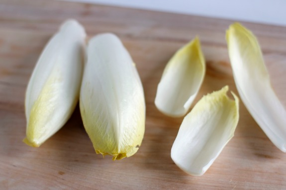 Endive Superbowl Appetizer @makeandtakes.com