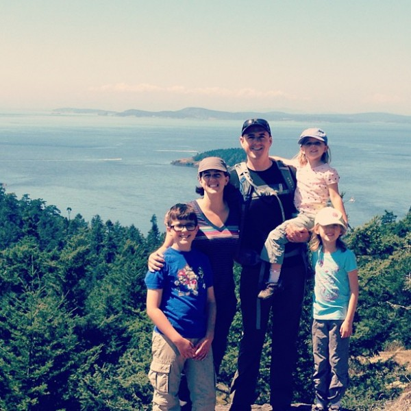 Family Hiking in PNW