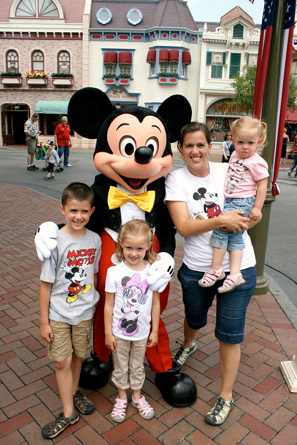 Family at Disneyland Parks - My Disney Side