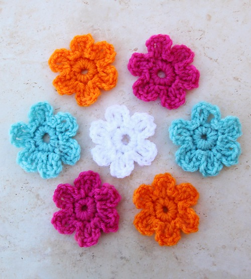 Five Minute Crochet Flowers by creativejewishmom.com