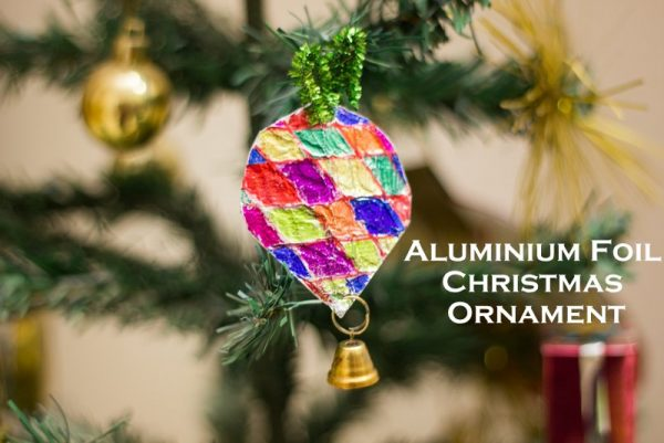 Aluminium Foil Christmas Tree Ornaments using cardboard, foil &sharpies. An easy and beautiful Christmas craft for toddlers and preschoolers to make