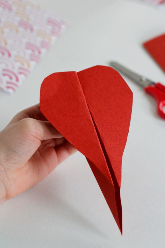 Folded Valentine Heart Airplanes @makeandtakes.com