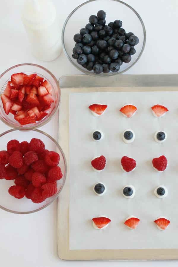 Frozen Yogurt Dots with Fresh Fruit