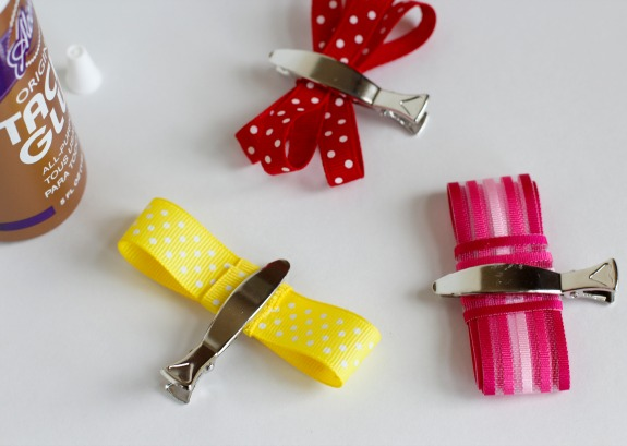 Gluing and Drying Hair Bows with Clips