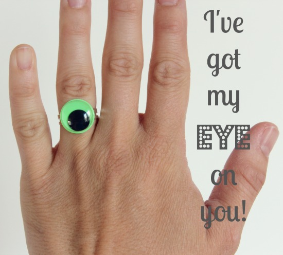 Googly Eye Ring Tutorial via @makeandtakes.com