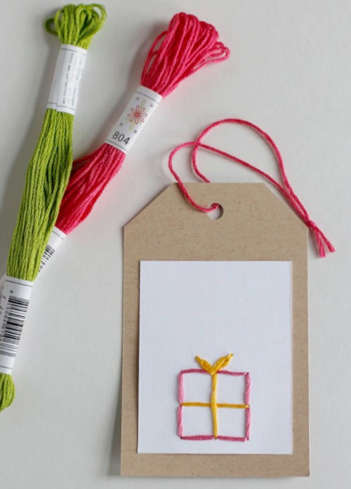 Hand Stitching DIY Gift Tags @makeandtakes.com