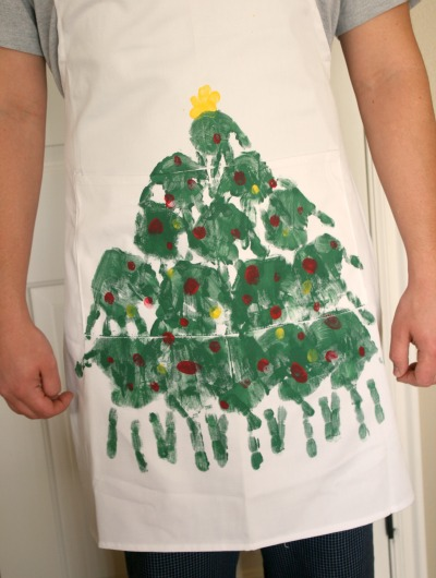 handprint christmas tree apron make and takes