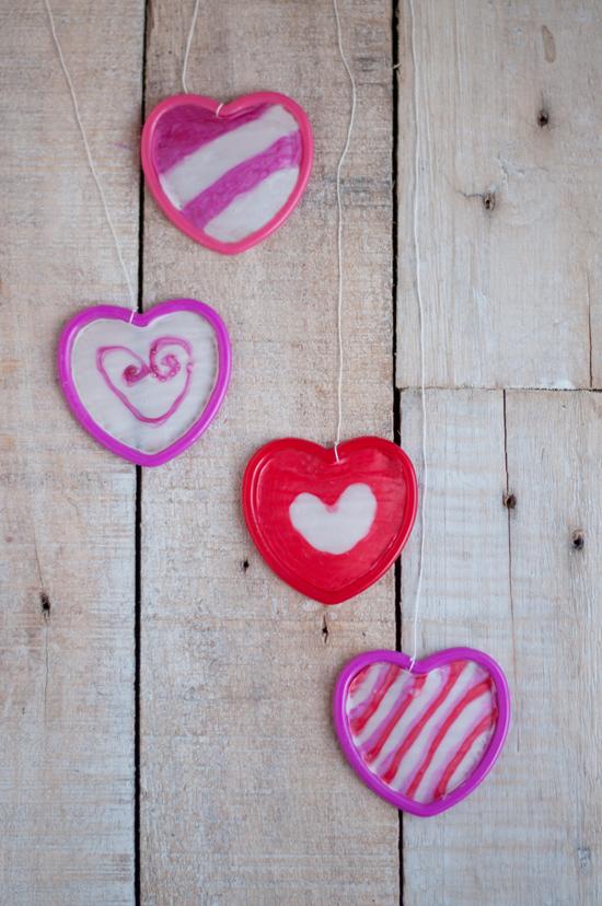 DIY Glue Hanging Hearts @makeandtakes.com