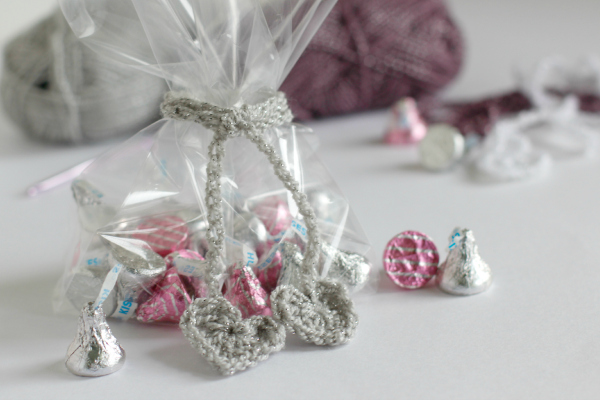 How to Crochet Heart Chain Stitch Ribbons