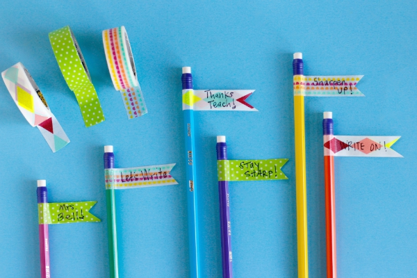 How to Make Pencil Flags for Teacher Gifts
