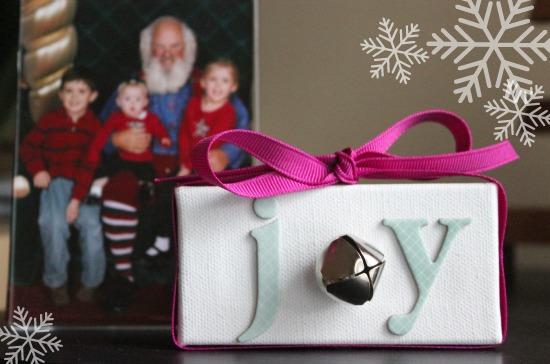Joy Framed Art for the Holidays makeandtakes.com