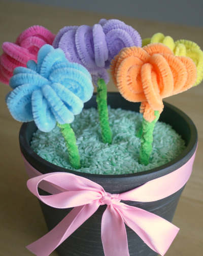 mother 39 s day pipe cleaner flower craft preschool