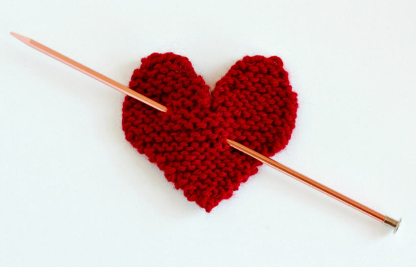 Make A Hanging Knit Heart For Your Door Make And Takes
