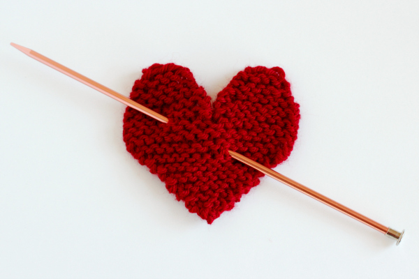 Knitting Hearts Together : Make a hanging knit heart for your door and takes