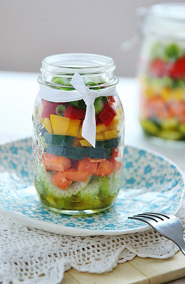 Lemon Dressing Salad in a Jar
