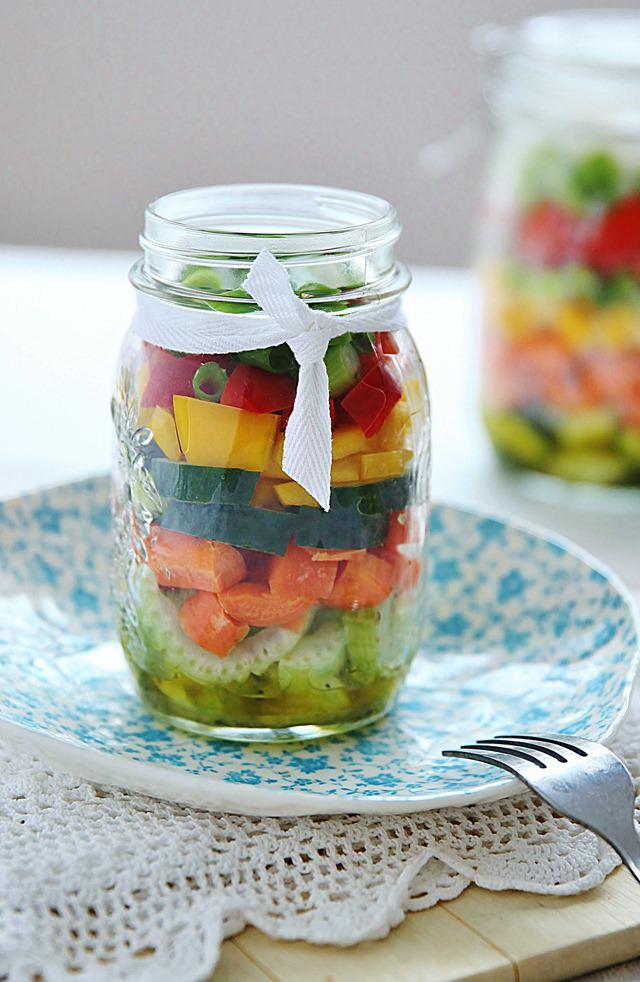 Lemon Dressing Salad in a Jar