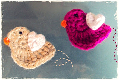 Love Bird Crochet Applique Pattern from damnitjanetletscrochet.blogspot.com
