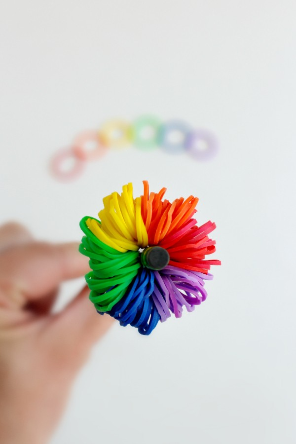 Make Rainbow Loom Pom Pom Pencil Toppers