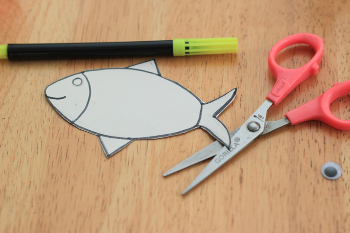 Make Yarn Wrapped Cardboard Fish