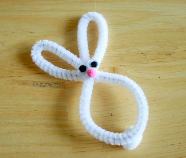 Make a Bunny Pipe Cleaner Napkin Holder