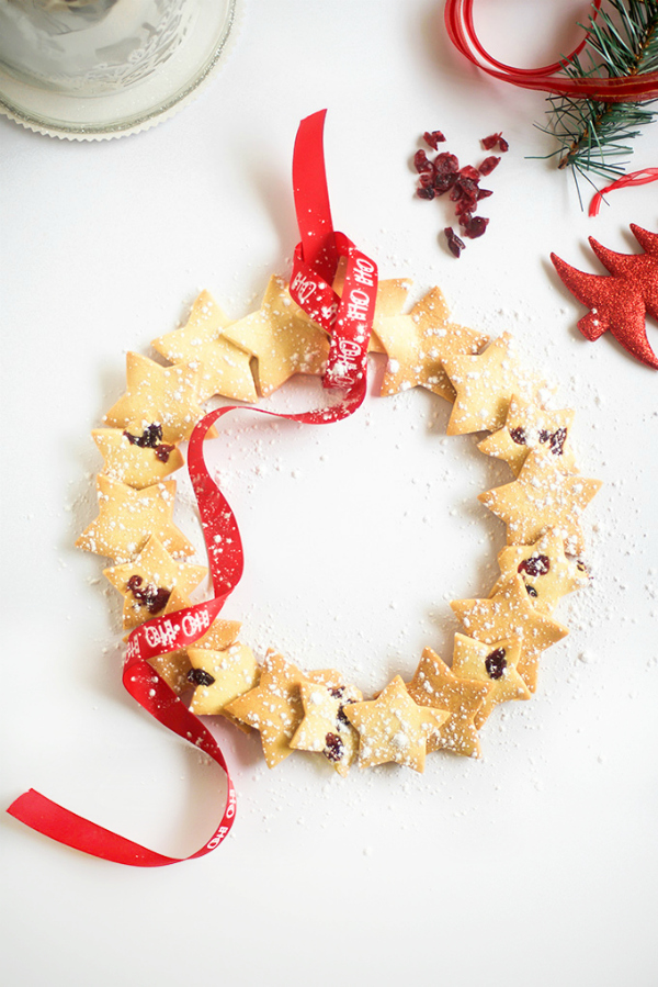 make-a-christmas-shortbread-star-wreath
