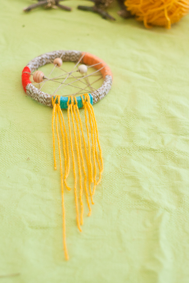 Make a Dreamcatcher with Yarn