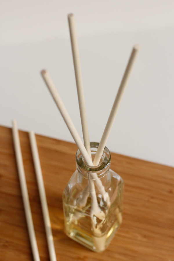 Make a Reed Diffuser with Essential Oils