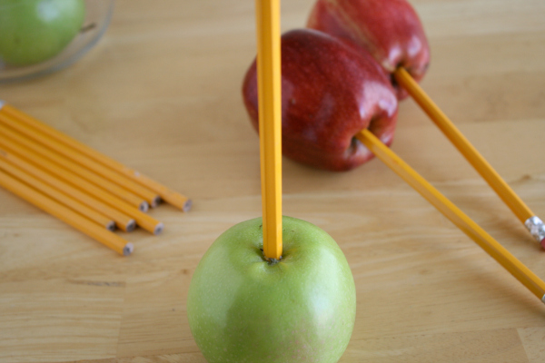 Making Apple Pencil Bouquet for Teacher Gift