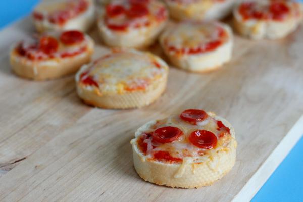 making-baguette-pizza-bites