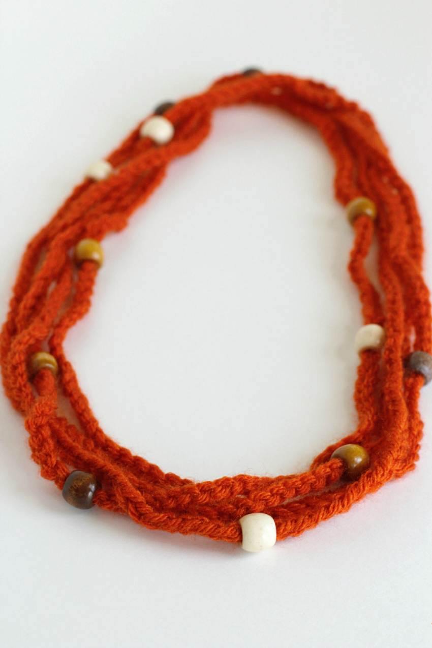 Making Crochet Chain Stitch Beaded Necklaces.jpg