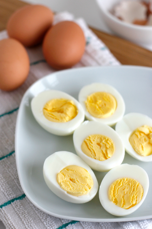 Making Hard Boiled Eggs with the Steam Method
