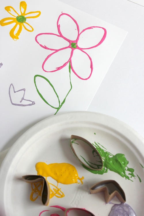 Making Paper Tube Painted Flower Stamps makeandtakes.com