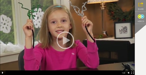 Making Pipe Cleaner Sparklers for New Year's Eve @makeandtakes.com
