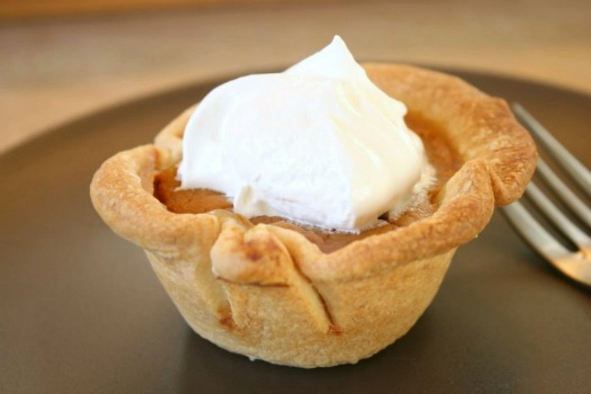 Bake UP Mini Muffin Tin Pumpkin Pies | Make and Takes