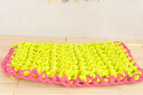 Neon Crochet Summer Clutch from T-shirt Yarn by Francine Clouden for Make & Takes-14