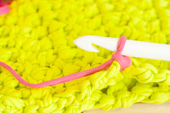 Neon Crochet Summer Clutch from T-shirt Yarn by Francine Clouden for Make & Takes-16