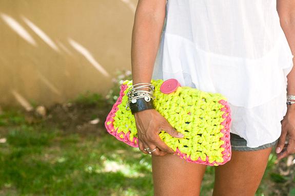 Make a Crochet Clutch for Summer