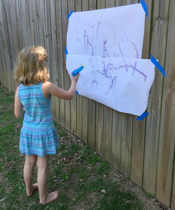 Outdoor Water Gun Spray Painting