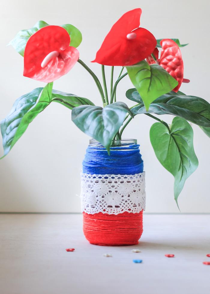 Patriotic Yarn Wrapped Jar craft to make