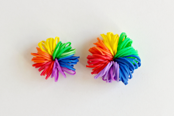 Pencil Topper Pom Poms from Rainbow Loom Bands