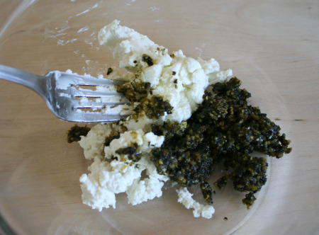 Pesto Goat Cheese Mix