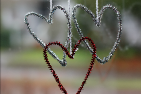 Pipe Cleaner Hanging Hearts