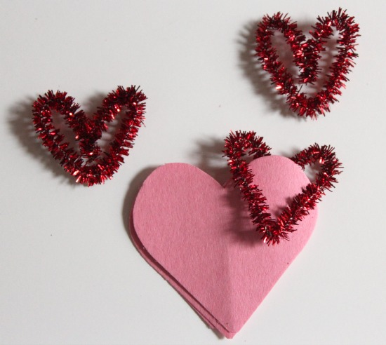Pipe Cleaner Heart Clips makeandtakes.com