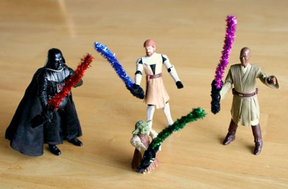 Pipe Cleaner Lightsaber Crafts for Star Wars Toys