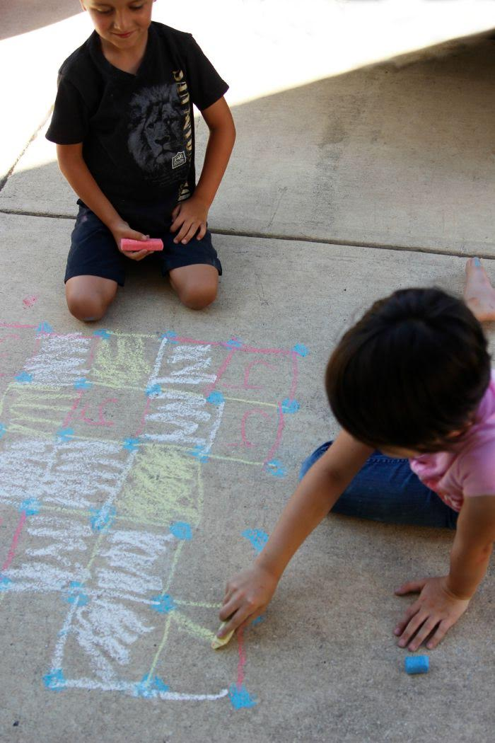 Play Sidewalk Chalk Games for Kids- Dots and Boxes